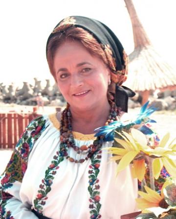 Laura Lavric va canta in Cipru