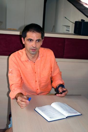 """Dan Negru: """"Nicio televiziune nu i-a oferit lui Paunescu sansa sa-si expuna poezia"""""""