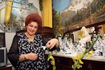 Elena Merisoreanu a primit un camion plin cu flori