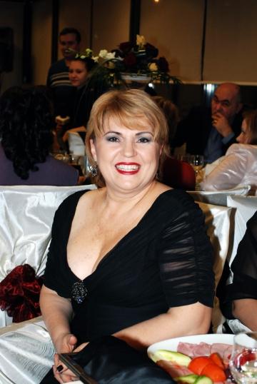 Nicoleta Voica, fericire departe de Romania