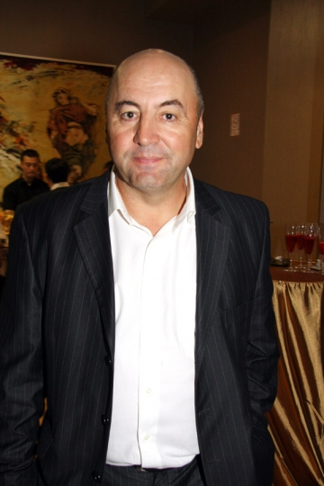"De 1 decembrie, Adrian Fetecau prezinta ""Tara cateilor"""