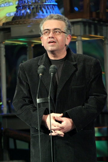 "Dan C. Mihailescu: ""Eminescu si Caragiale sunt fata si reversul monedei nationale"""