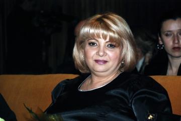 Nuami Dinescu isi doreste un costum popular de la Mos Craciun