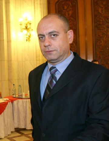 Emil Mitrache isi cauta de munca din 2011