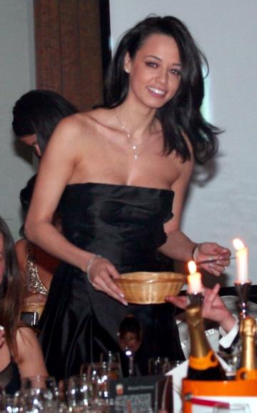 Andreea Raicu sfatuieste pofticiosii sa nu se abtina de la degustare