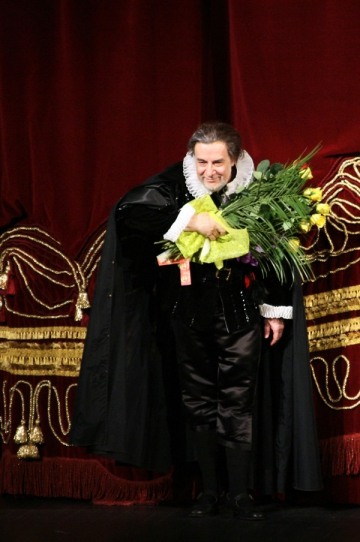 Eduard Tumagian, vedeta a operei internationale, a incheiat luna Verdi la ONB