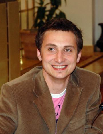 "Dani Otil: ""Vreau sa cunosc oameni, sa mananc de pe tarabe, sa invat lucruri"""