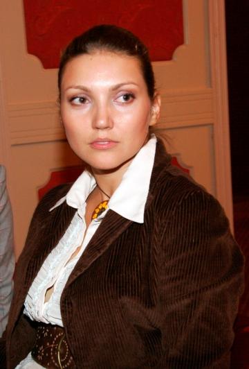 Iulia Fratila: un stil nou de viata, dincolo de boala nemiloasa numita cancer