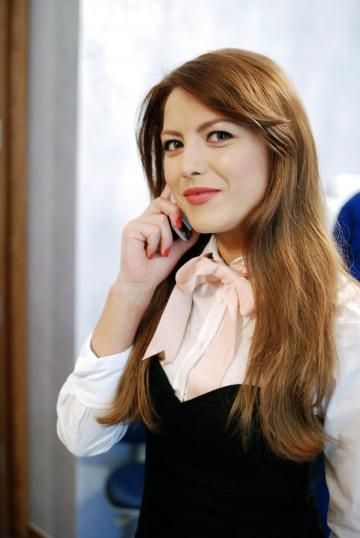 Elena Gheorghe premiaza cele mai frumoase declaratii de dragoste