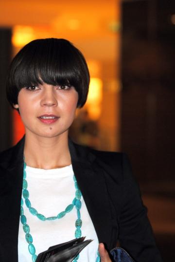 """Maria Dinulescu: """"Incerc sa invat sa-mi iubesc publicul"""""""