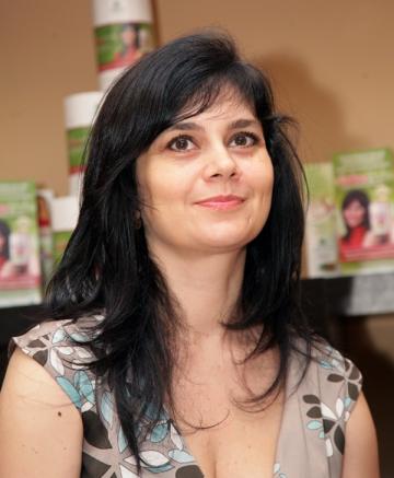 Simona Balanescu ii cere sfaturi culinare profesorului Mencinicopschi