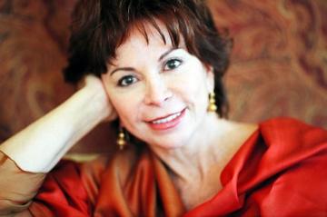 """Isabel Allende: """"Lumea este un loc tare misterios"""""""