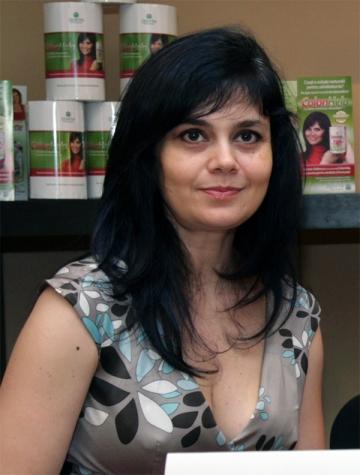 "Simona Balanescu: ""Baietelul meu nu vrea sa stea la gradinita"""