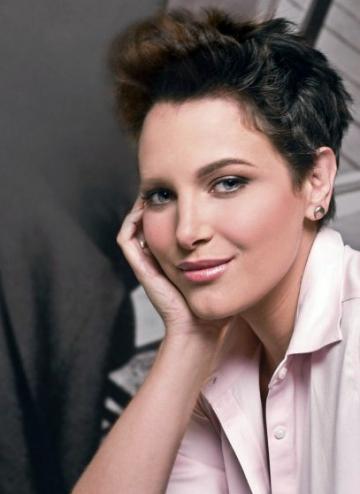 Fosta Miss Venezuela, Eva Ekvall, dupa lupta cu cancerul la san