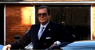 Roger Moore filmeaza in Romania