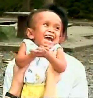 Faceti cunostinta cu cel mai mic om din lume!