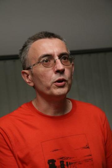 """Dan Teodorescu: """"Politica o duce foarte bine"""""""