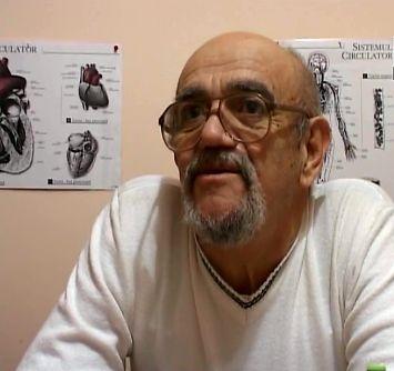 Tatal lui Teo Trandafir castiga bani vorbind despre fiica sa
