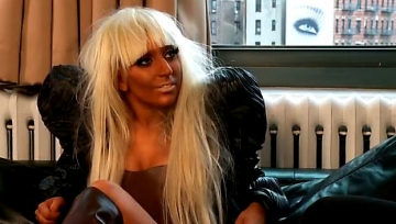 Lady Gaga, alaturi de victimele din Japonia