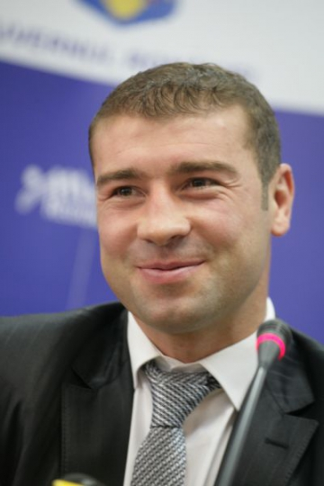 Lucian Bute a revenit in Romania