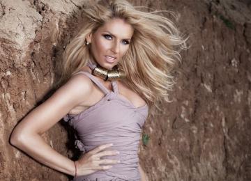 Andreea Banica, nominalizata la Balkan Music Awards