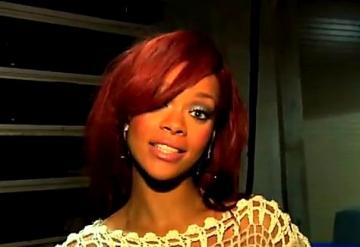 Rihanna s-a imbracat catastrofal la Premiile Grammy