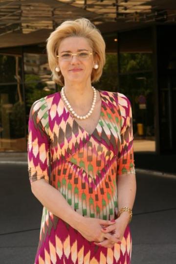 Corina Cretu l-a adus pe Bill Gates in Parlamentul European