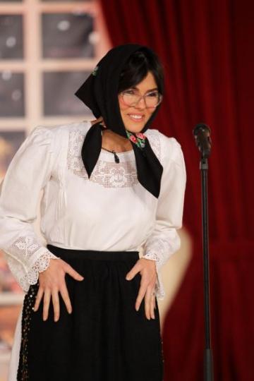 Paula Seling, in ipostaze inedite la Serviciul Roman de Comedie