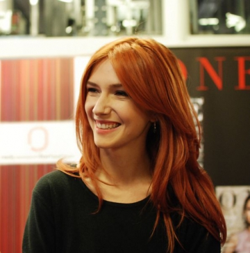 Adela Popescu, intre scoala, meserie si iubire