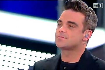 Robbie Williams s-a apucat de pictura