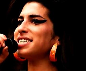 Tatal lui Amy Winehouse isi lanseaza albumul de debut