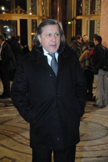 Ilie Nastase petrece Pastele cu un iepuras Playboy