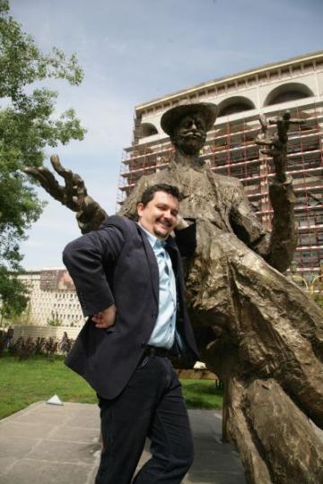 Marius Rizea se retrage pe insula Sardinia in vacanta de vara