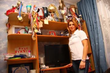 Alina Dumitru lupta pentru un trai mai bun in Romania