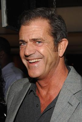 Oksana renunta la acuzatiile de abuz la adresa lui Mel Gibson