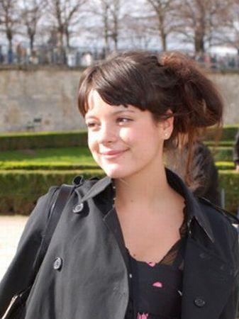 Lily Allen isi va petrece luna de miere la festivalul Glastonbury