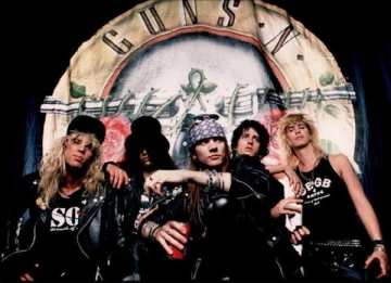 Guns N' Roses au suficiente piese pentru trei noi albume