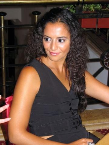 Analia Selis merge in Spania sa-si vada familia