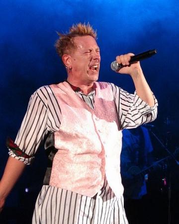 """John Lydon de la Sex Pistols """"reneaga"""" publicul fostei sale trupe"""