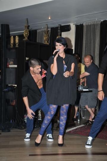 Pasiuni de VIP: Sophia colectioneaza palarii cu voaleta vechi