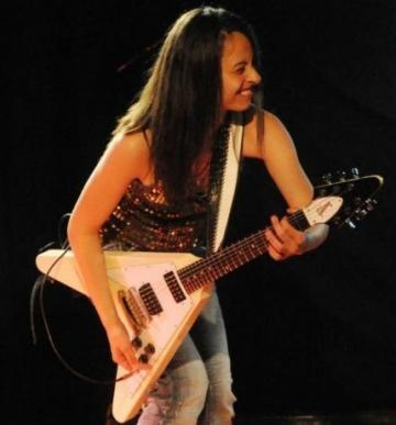 Kristen Capolino, o romanca in lumea chitaristilor celebri
