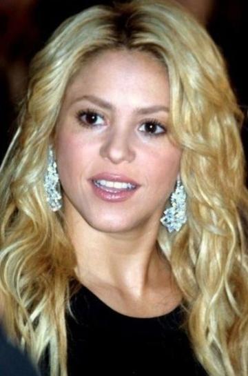 Shakira si-ar dori ca lumea sa functioneze ca o echipa de fotbal