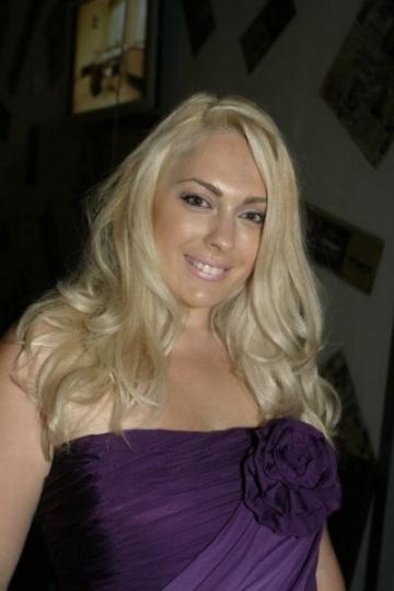 Giulia Nahmany a renuntat la cluburi pentru fiica sa