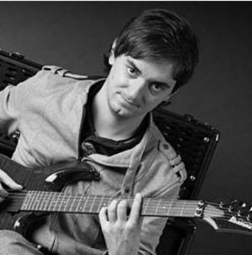 Marius Pop, printre finalistii concursului Guitar Idol