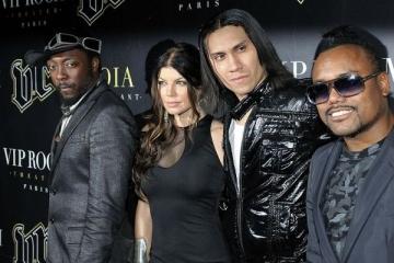 "Membrii Black Eyed Peas isi spun ""la revedere"""