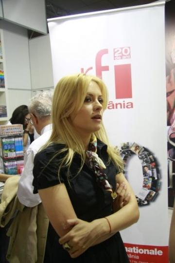 """Simona Gherghe se muta in """"paradisul verde"""""""