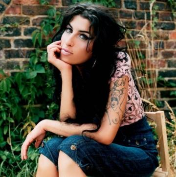 Amy Winehouse a trecut in nefiinta