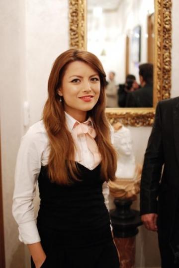 Elena Gheorghe este insarcinata
