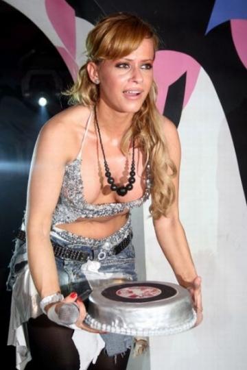 "Anda Adam, considerata de turci noua ""Madonna a Europei"""