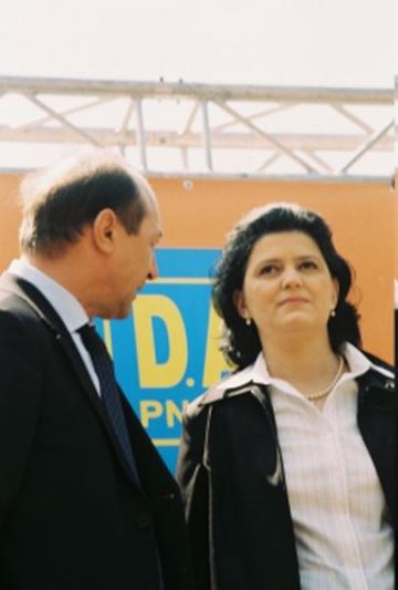 Basescu-Berceanu, cine este castigator?